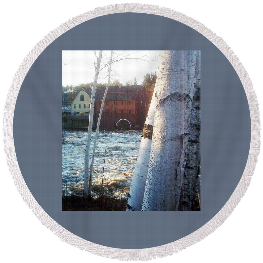 Littleton New Hampshire Framed Prints Round Beach Towel featuring the photograph Littleton On The Ammonoosuc by Marie Jamieson