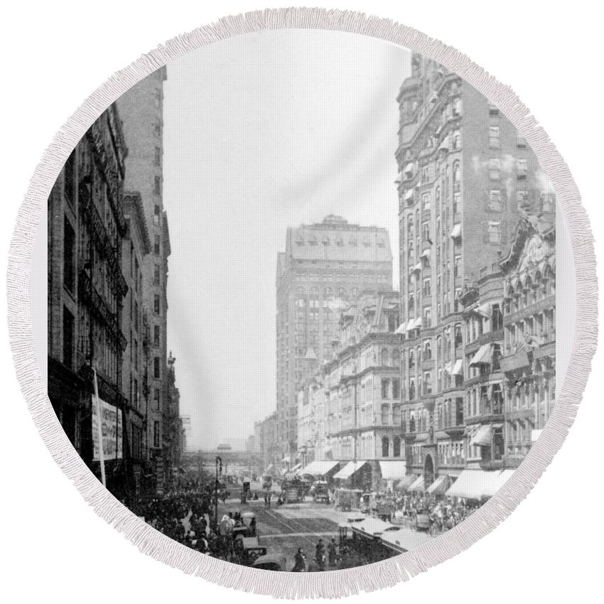 chicago Illinois Round Beach Towel featuring the photograph Looking Down State Street - Chicago - C 1897 by International Images