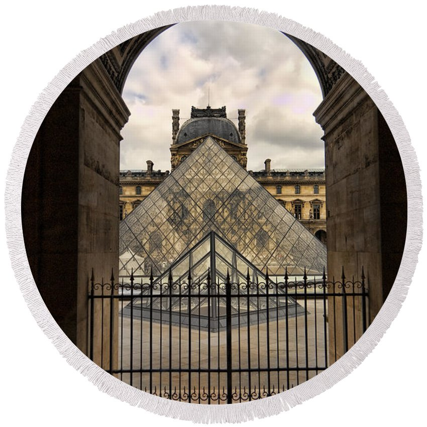 France Round Beach Towel featuring the photograph Louvre Museum by Jon Berghoff