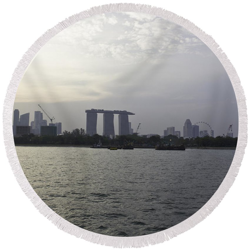 Admiral Cheng Ho Cruise Round Beach Towel featuring the photograph Marina Bay Sands And Flyer Along With Singapore Skyline From The by Ashish Agarwal
