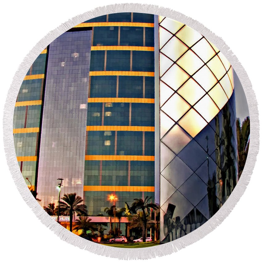 Reflection Round Beach Towel featuring the photograph Marriott Evening by Steve Harrington