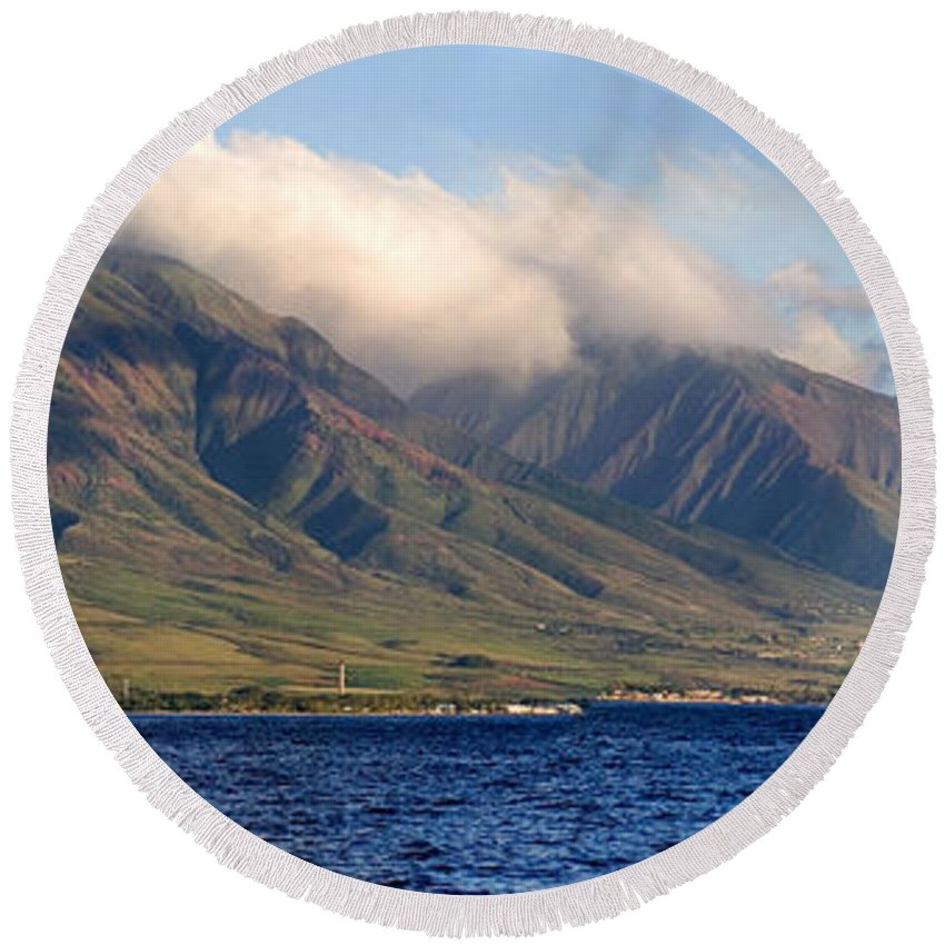 Landscape Round Beach Towel featuring the photograph Maui Pano by Scott Pellegrin