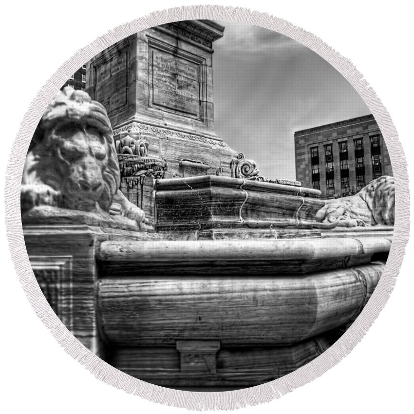 President Round Beach Towel featuring the photograph Mckinley Memorial In Black And White by Tammy Wetzel