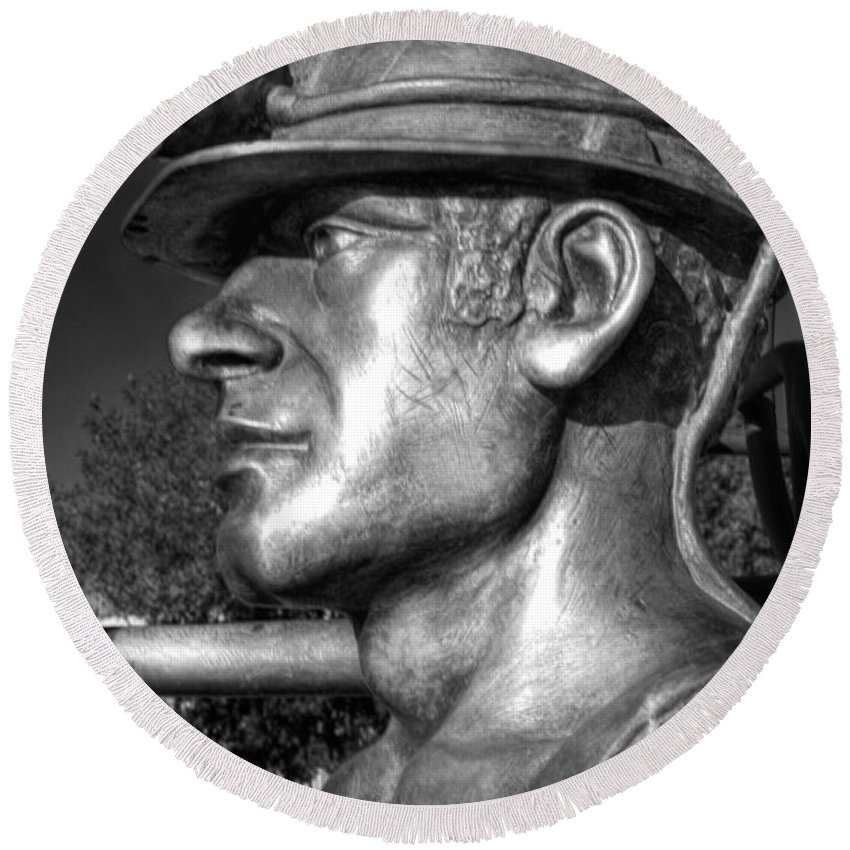 Miner Round Beach Towel featuring the photograph Miner Statue Monochrome by Steve Purnell