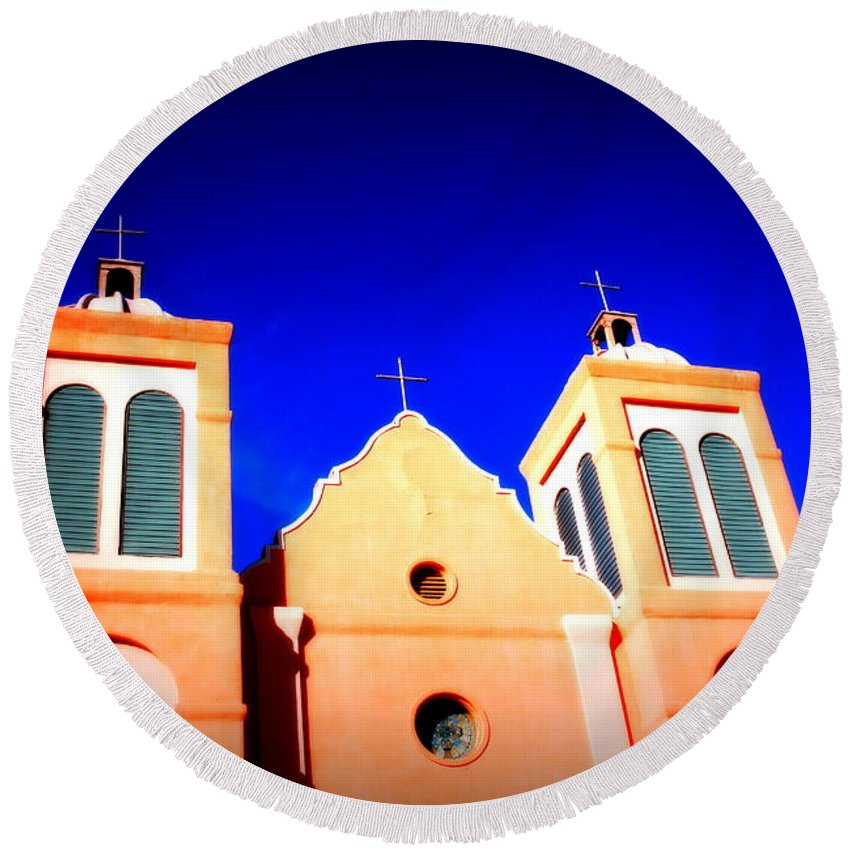 Mission Round Beach Towel featuring the photograph Mission Church Silver City Nm by Susanne Van Hulst
