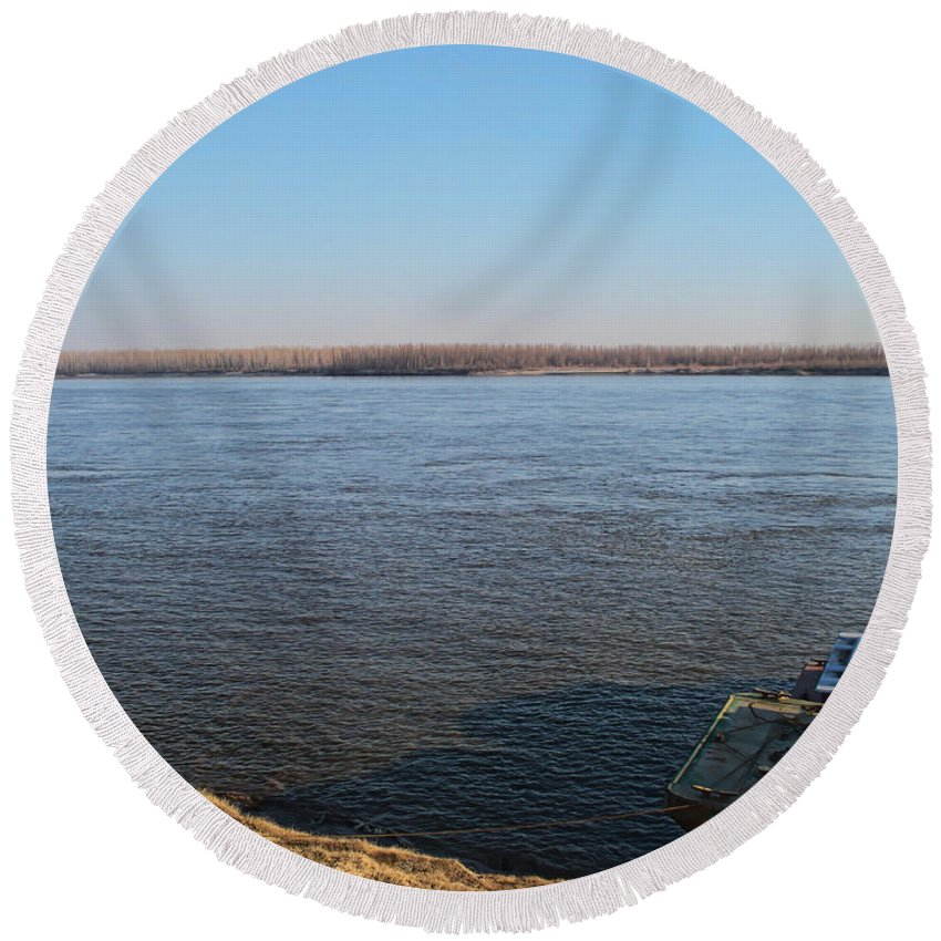 Round Beach Towel featuring the photograph Mississippi River View by Debbie Portwood