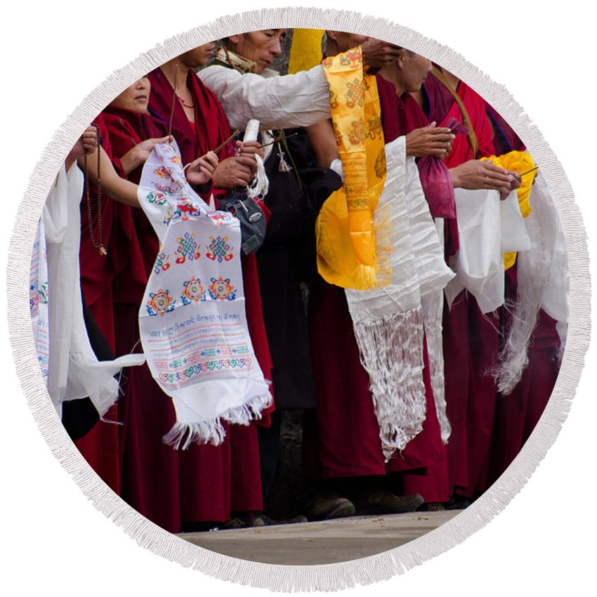 Monks Round Beach Towel featuring the photograph Monks Wait For The Dalai Lama by Don Schwartz