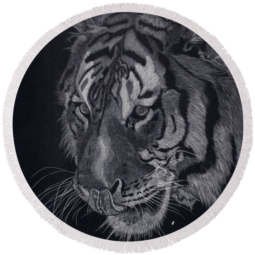 Tiger Round Beach Towel featuring the drawing Moquito El Tigre by Yenni Harrison
