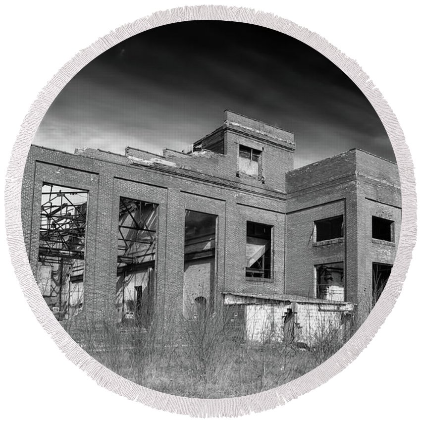 Abandoned Building Round Beach Towel featuring the photograph More Urban Decay 70797 by Guy Whiteley