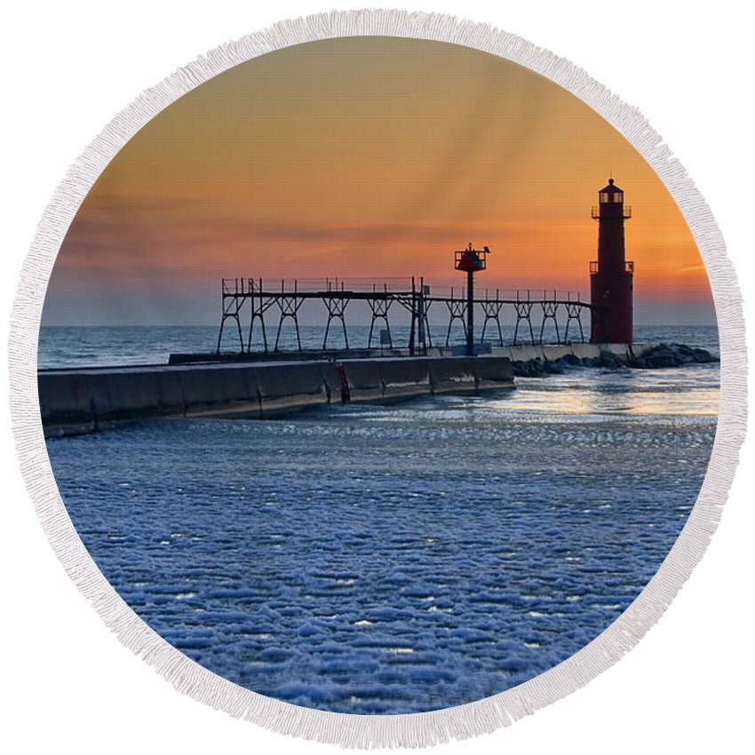 Lighthouse Round Beach Towel featuring the photograph Morning Pastels by Bill Pevlor