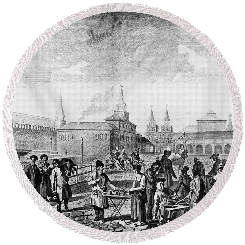 1762 Round Beach Towel featuring the photograph Moscow: Red Square, C1762 by Granger