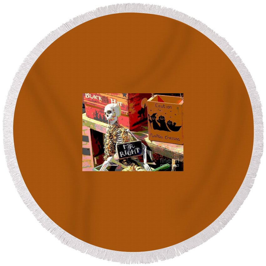 Halloween Round Beach Towel featuring the photograph Mr. Right by Living Color Photography Lorraine Lynch