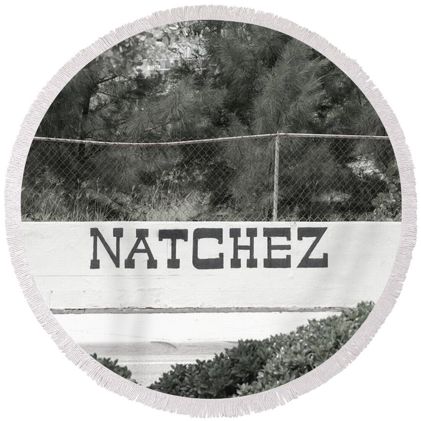 Natchez Round Beach Towel featuring the photograph Natchez by Rob Hans
