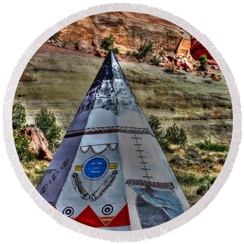Route 66 Round Beach Towel featuring the photograph Navajo Trading Post Teepee by Tommy Anderson