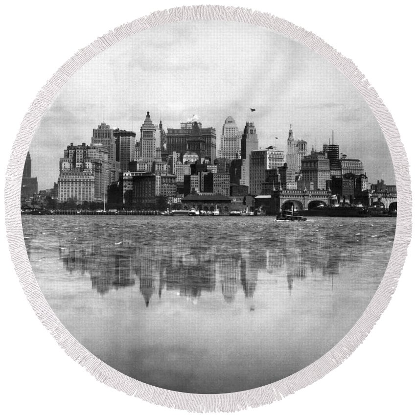 1920's Round Beach Towel featuring the photograph New York Skyline Reflected by Underwood Archives