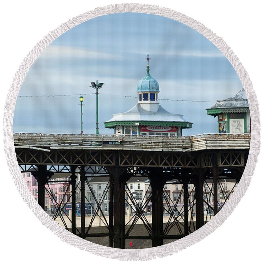 2010 Round Beach Towel featuring the photograph North Pier by Andrew Michael