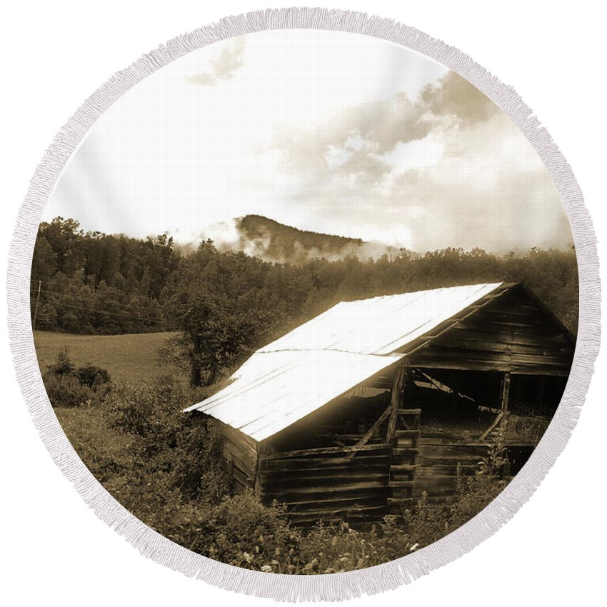 Old Hay Barn Round Beach Towel featuring the photograph Old Hay Barn by Christine Stonebridge