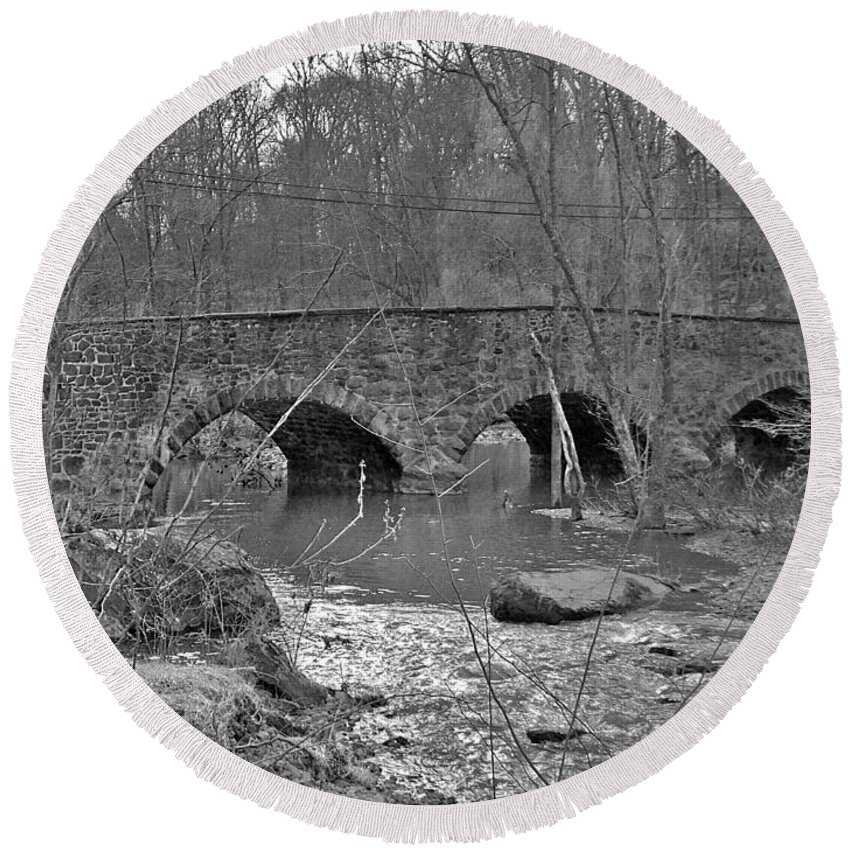 Bridge Round Beach Towel featuring the photograph Old Stone Bridge Over The Unami Creek - Sumneytown Pa by Mother Nature