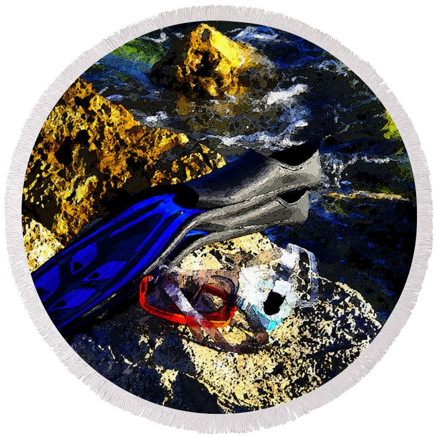 Art Round Beach Towel featuring the painting On The Rocks by David Lee Thompson