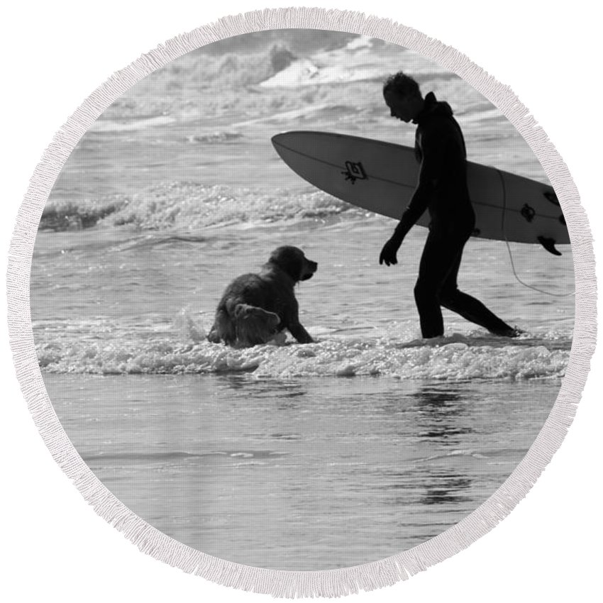 Landscape Round Beach Towel featuring the photograph One Surfer And His Dog by Brian Roscorla