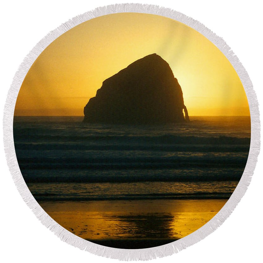 Photo Round Beach Towel featuring the photograph Pacific City Sunset by Chriss Pagani