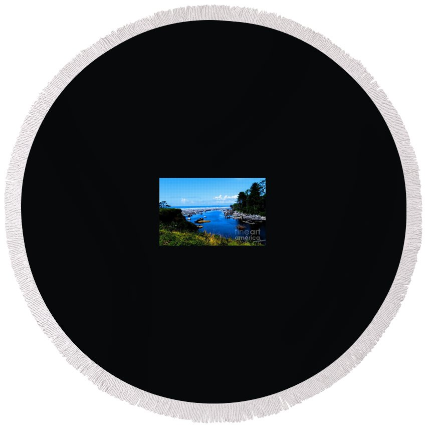 Pacific Seascape Round Beach Towel featuring the photograph Pacific Escape by Tap On Photo
