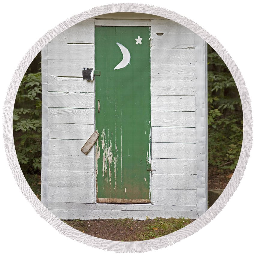 Outhouse Round Beach Towel featuring the photograph Paper Moon Outhouse by John Stephens