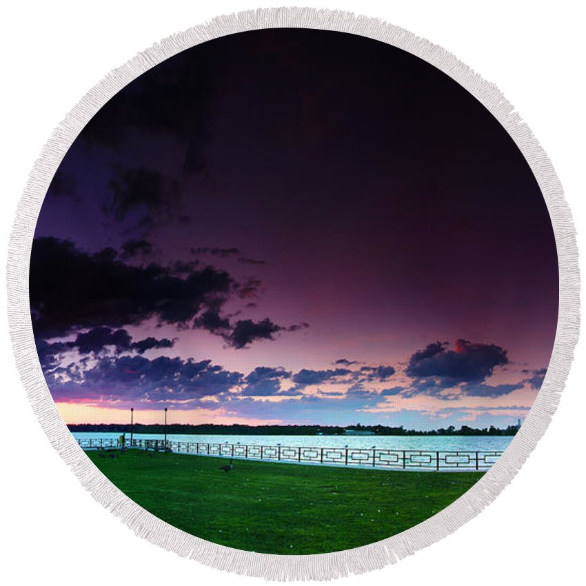 Windsor Round Beach Towel featuring the photograph Park Pano by Cale Best