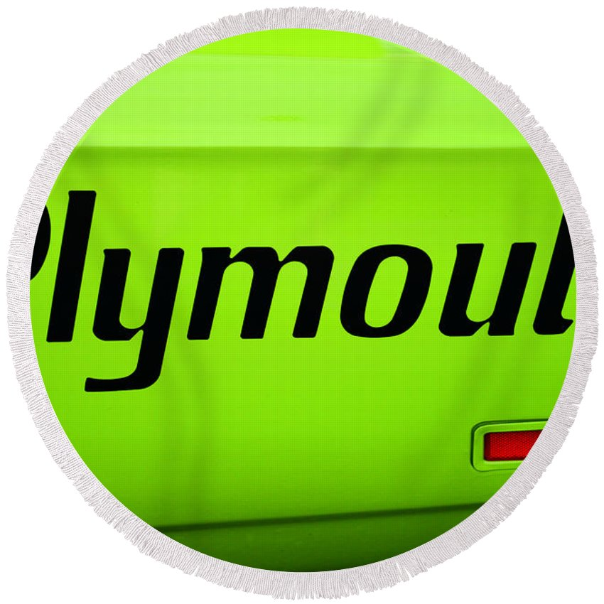 Plymoouth Road Runner In Lime Green Round Beach Towel featuring the photograph Plymouth Road Runner by Paul Ward