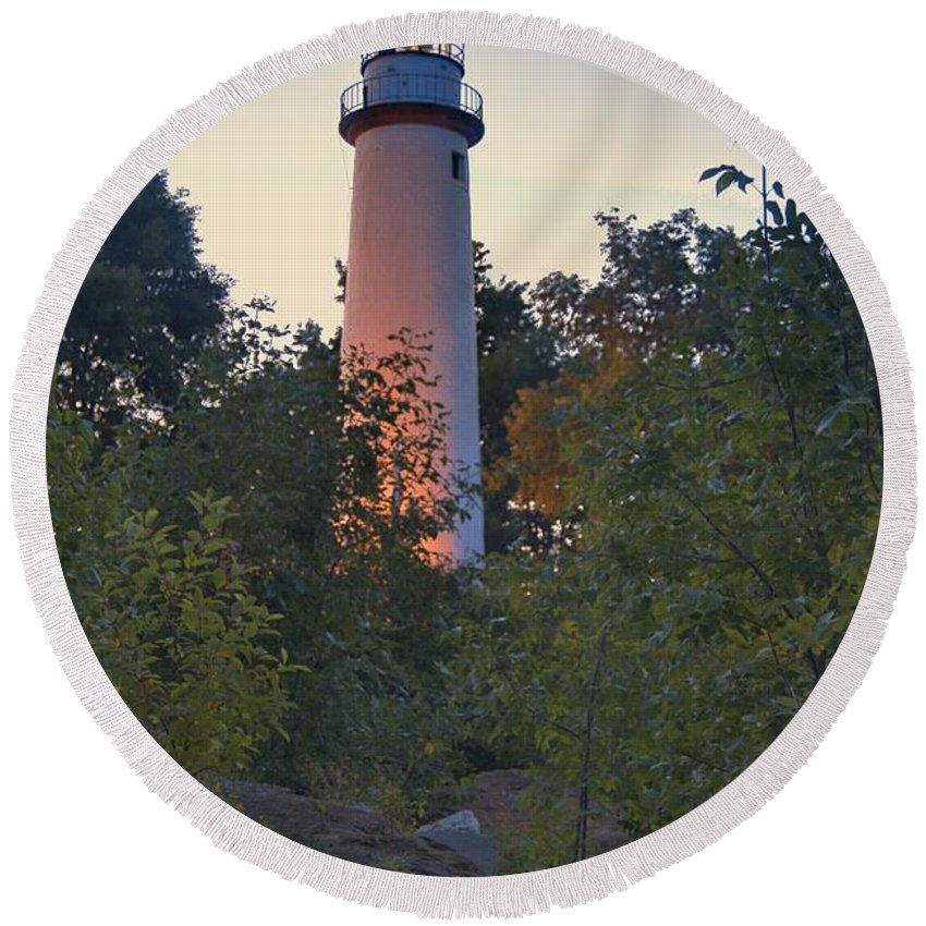 Aux Round Beach Towel featuring the photograph Pointe Aux Barques Lighthouse 7072 by Michael Peychich