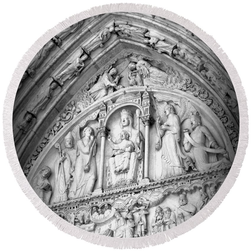 Notre Dame Round Beach Towel featuring the photograph Prayers At Notre Dame - Black And White by Carol Groenen