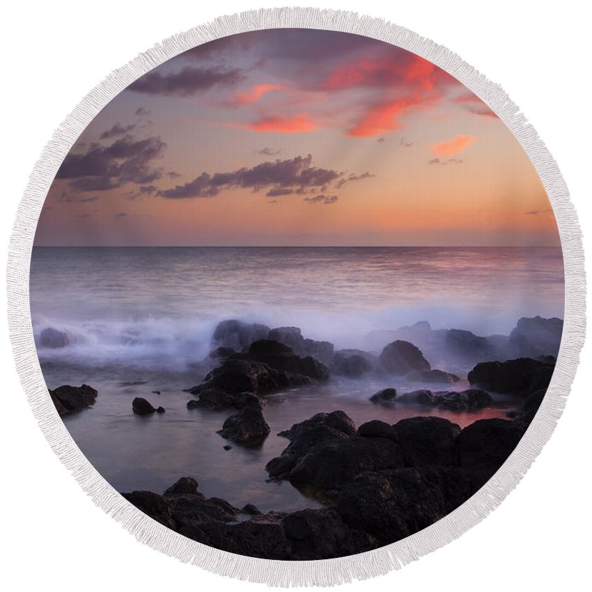 Poipu Beach Round Beach Towel featuring the photograph Red Sky Paradise by Mike Dawson