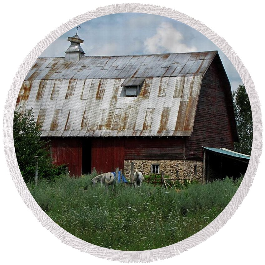 Barn Round Beach Towel featuring the photograph Red Weathered Barn by Ms Judi