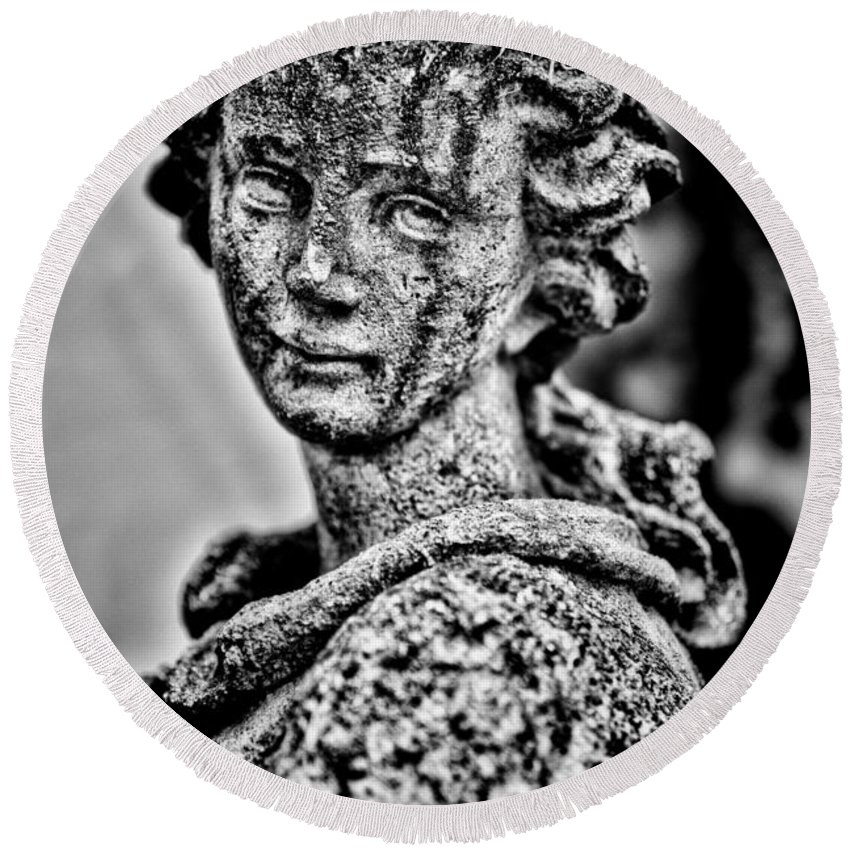 Statue Round Beach Towel featuring the photograph Resigned To Fate - Bw by Christopher Holmes