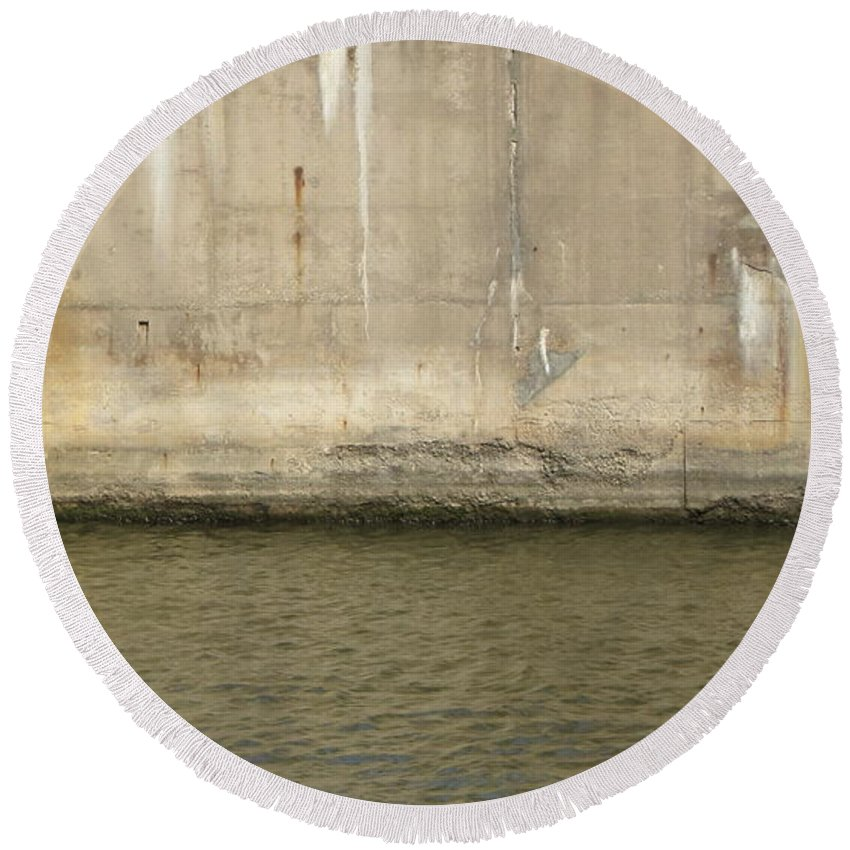Concrete Round Beach Towel featuring the photograph River In The City 2 by Anita Burgermeister