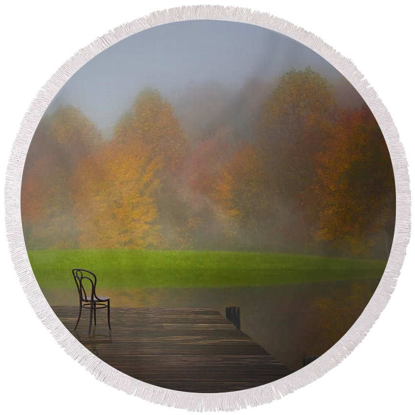 Autumn Round Beach Towel featuring the photograph River Light by Ron Jones