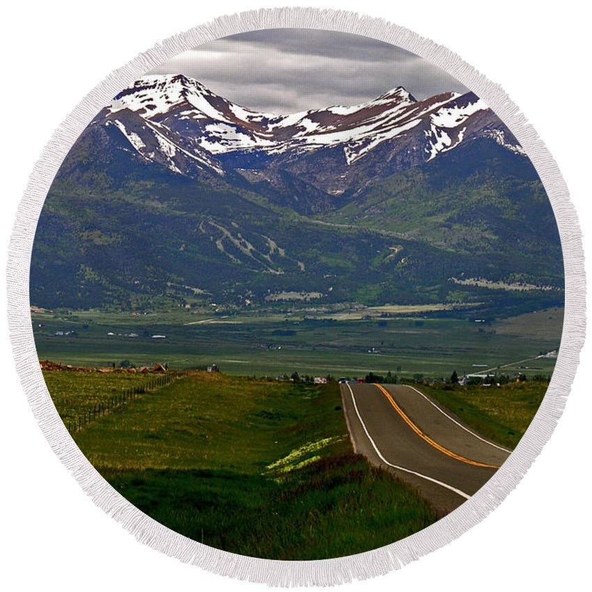 Green Round Beach Towel featuring the photograph Road To The Sangre De Cristos by Peggy Starks