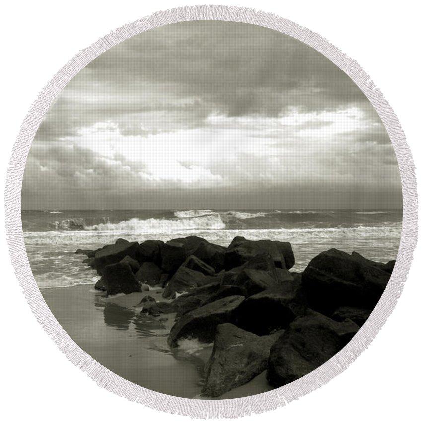 Rocks Round Beach Towel featuring the photograph Rocks At Folly Beach Sc by Susanne Van Hulst