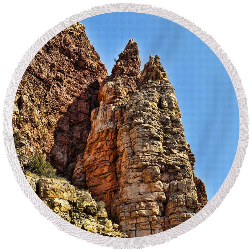 Cliff Round Beach Towel featuring the photograph Rocky Cliff by Jon Berghoff
