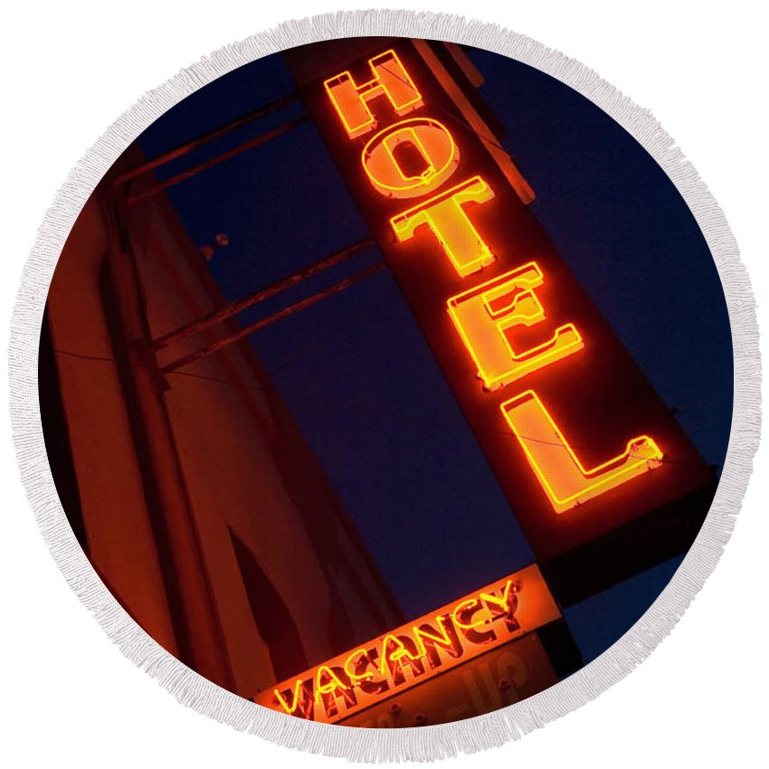 Flames Round Beach Towel featuring the photograph Route 66 Hotel Williams by Bob Christopher