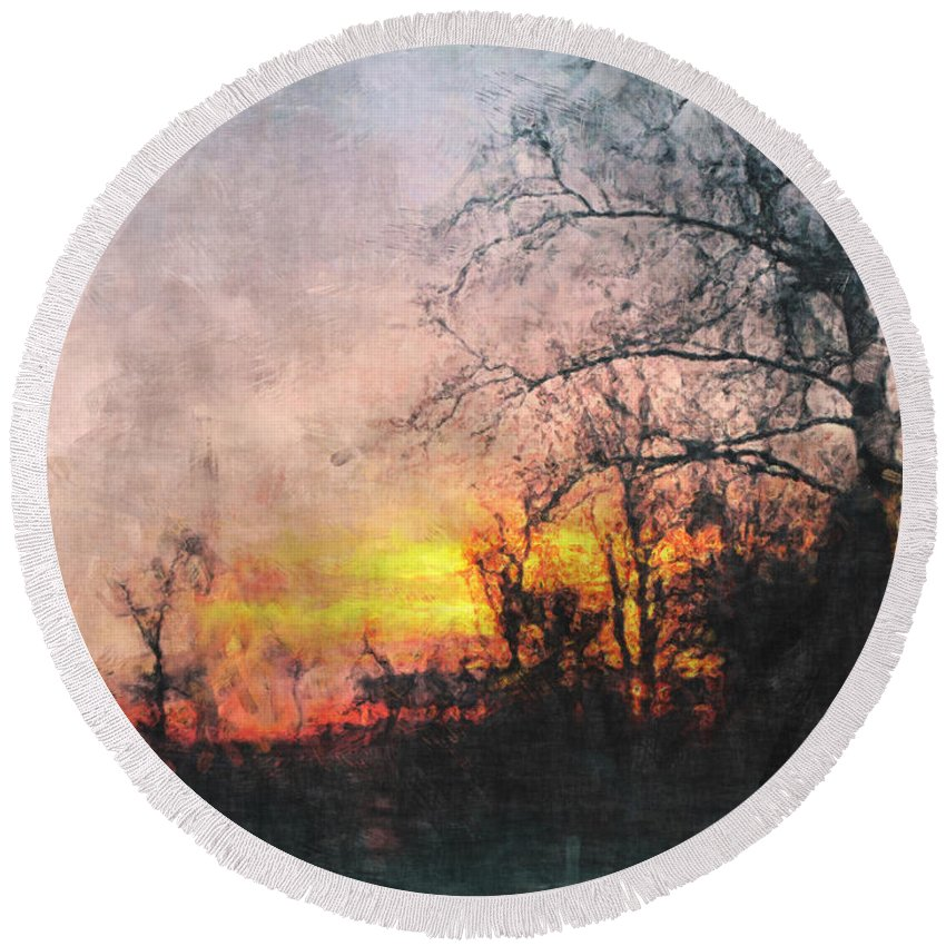 Sun Round Beach Towel featuring the photograph Rural Sunset Art by Debbie Portwood
