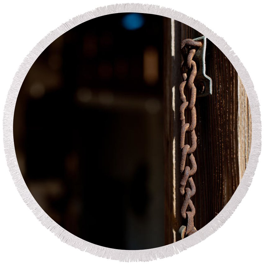 Chain Lock Round Beach Towel featuring the photograph Rusted Chain Lock - Color by Scott Sawyer