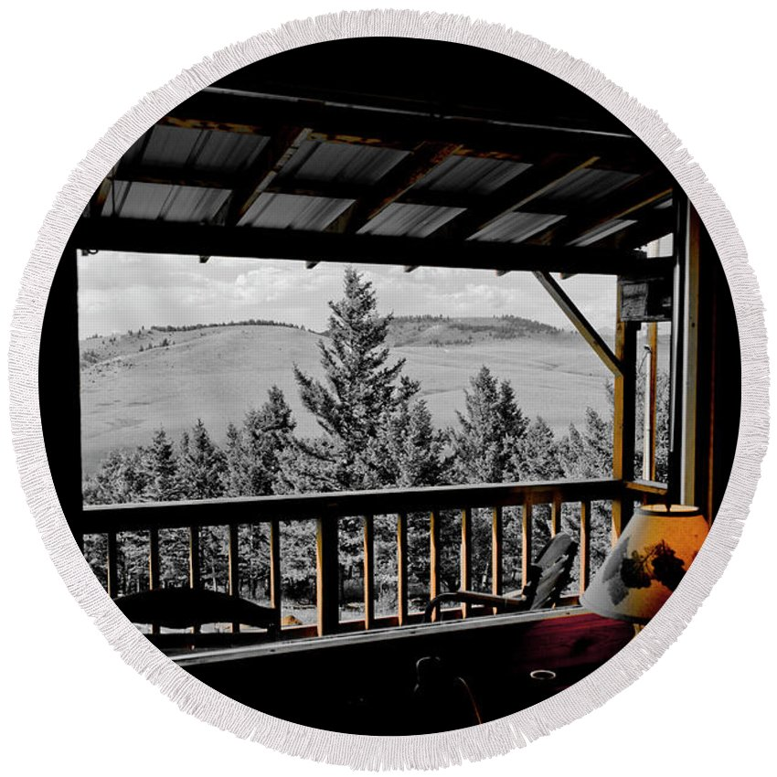 Americas Round Beach Towel featuring the photograph Rustic View Of The Great Outdoors by Roderick Bley