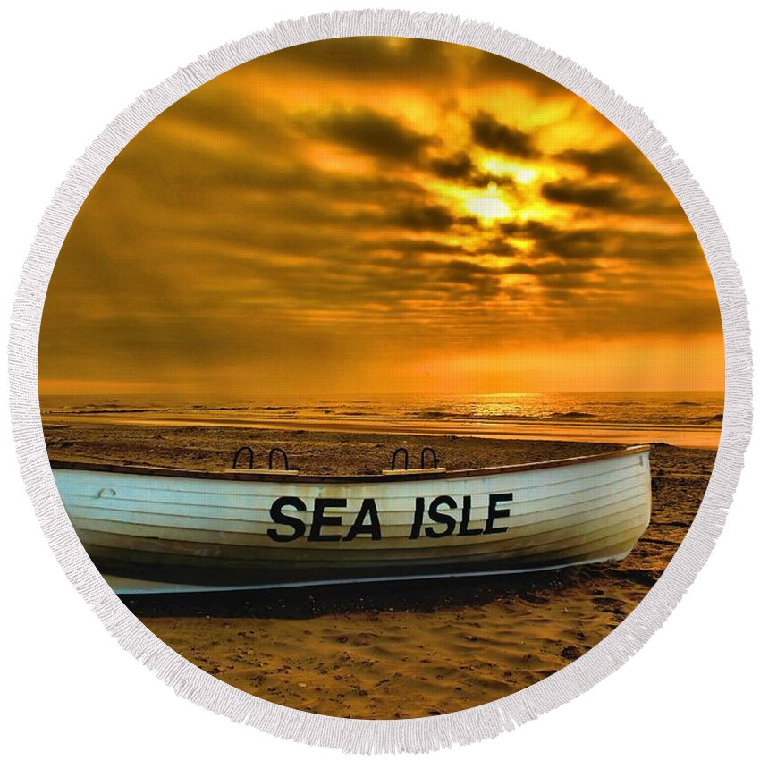 Dawn Round Beach Towel featuring the photograph Sea Isle Dawn by Nick Zelinsky