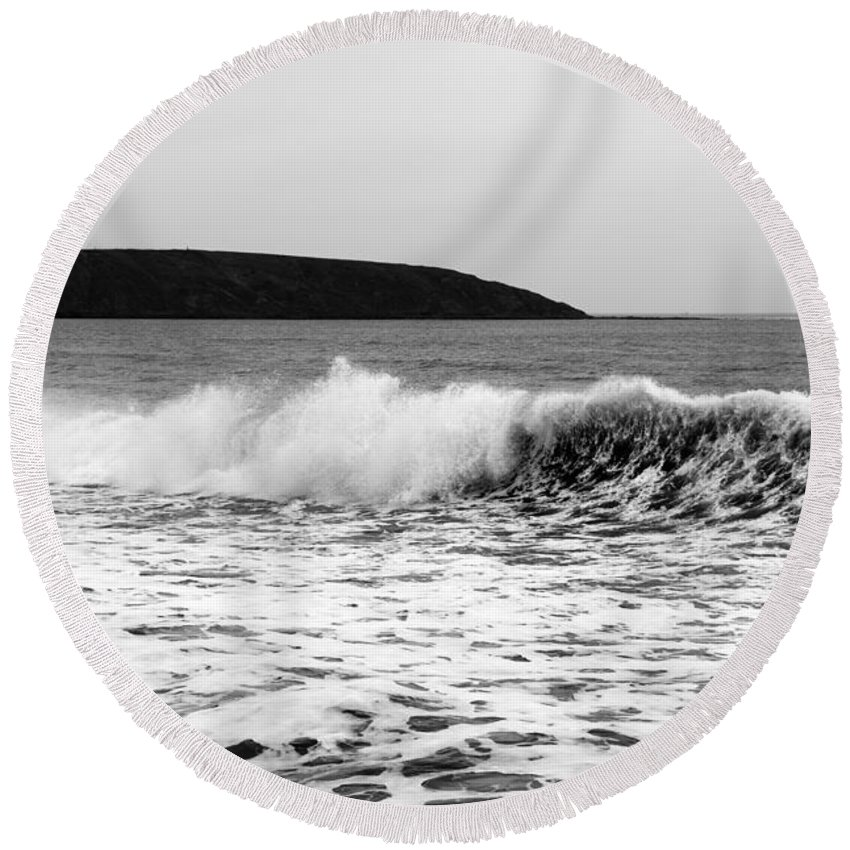 Bay Round Beach Towel featuring the photograph Sea Wave by Svetlana Sewell