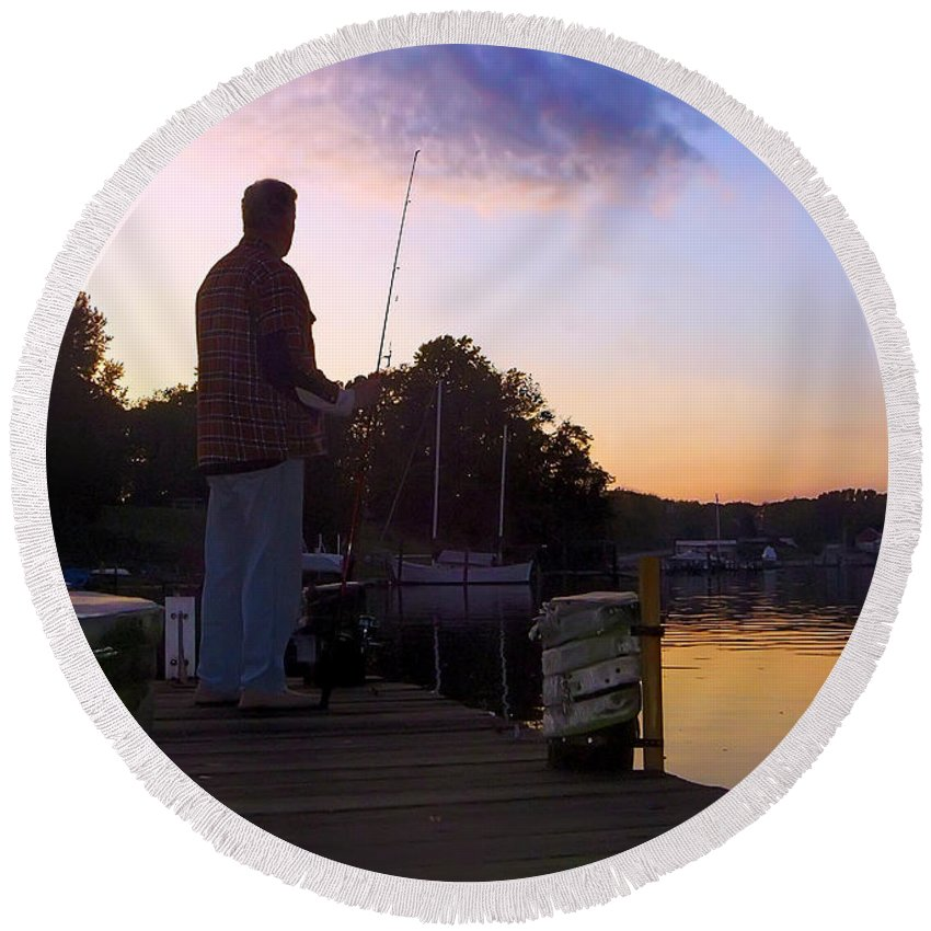 2d Round Beach Towel featuring the photograph Self Silhouette by Brian Wallace