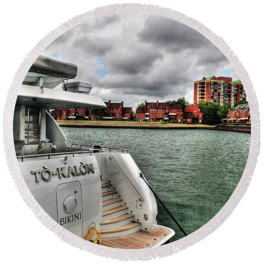 Round Beach Towel featuring the photograph Shore This Is The Life by Michael Frank Jr
