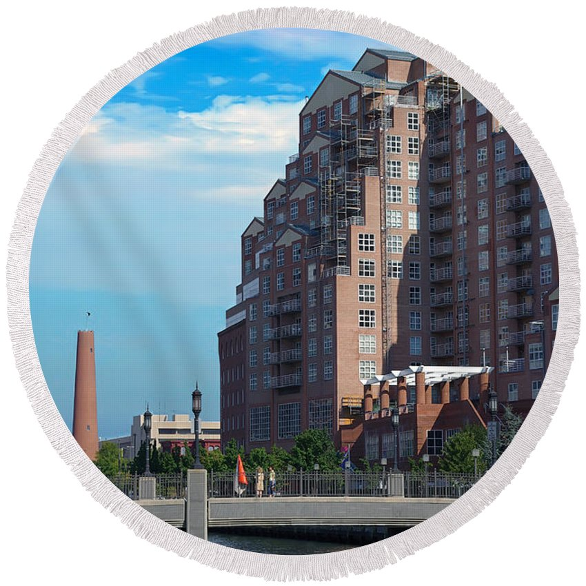 2d Round Beach Towel featuring the photograph Shot Tower - Baltimore by Brian Wallace