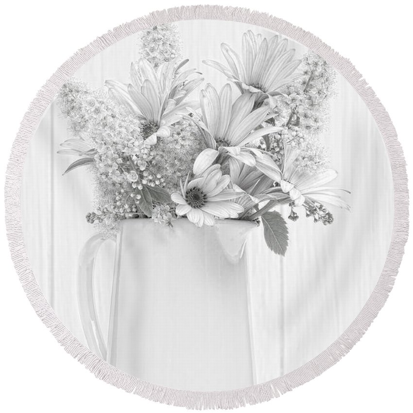 Vase Round Beach Towel featuring the photograph Sketched Vase Of Flowers by Amanda Elwell