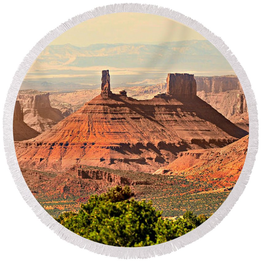 Castle Butte Round Beach Towel featuring the photograph Skyward by Marty Koch